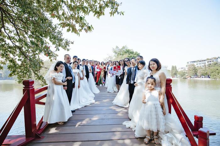 """Cặp vợ chồng khuyết tật vượt nghìn cây số để tham gia buổi chụp ảnh """"Giấc mơ có thật"""" - Ảnh 5."""