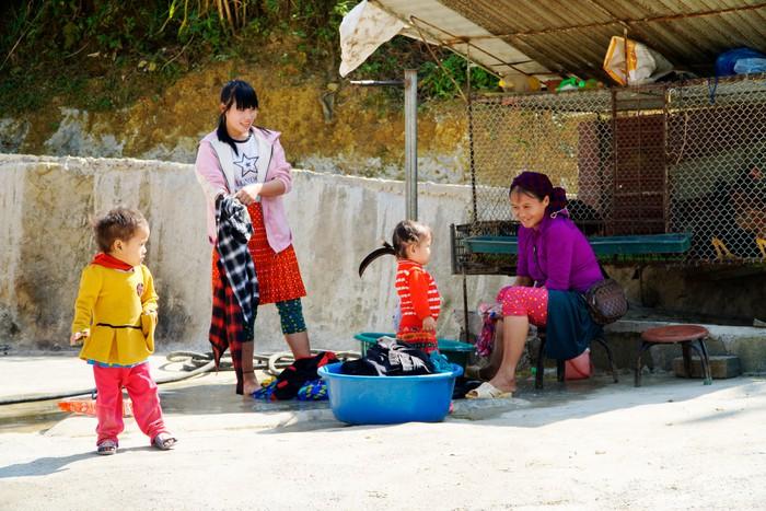 """Những đứa trẻ """"mộc mạc"""" trên Công viên địa chất toàn cầu – Cao nguyên đá Đồng Văn - Ảnh 15."""