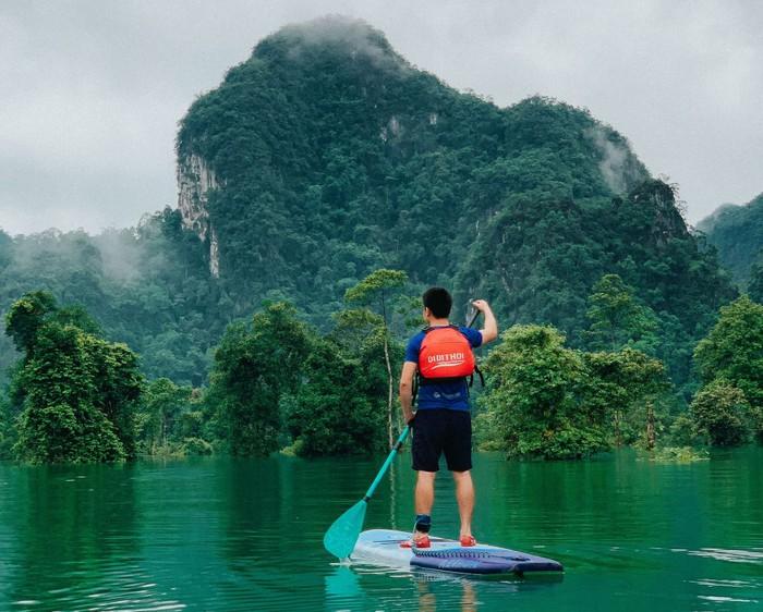 Độc đáo: Tour du lịch vùng nước lũ và thăm bộ lạc bí hiểm nhất thế giới - Ảnh 3.