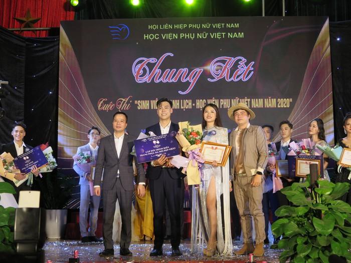 20 thí sinh tài năng, duyên dáng tỏa sáng trong Cuộc thi sinh viên thanh lịch Học viện Phụ nữ Việt Nam - Ảnh 12.