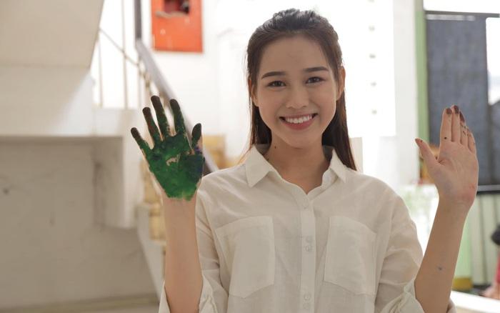 Nhan sắc đời thường trong trẻo của Hoa hậu Việt Nam 2020 Đỗ Thị Hà