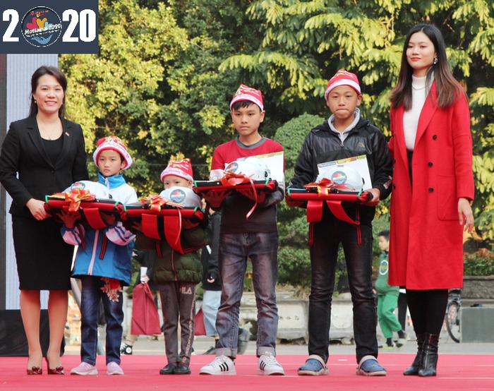 Miss Photo Vũ Hương Giang yêu cảm giác hòa mình vào không khí lễ hội Mottainai dịp cuối năm - Ảnh 1.