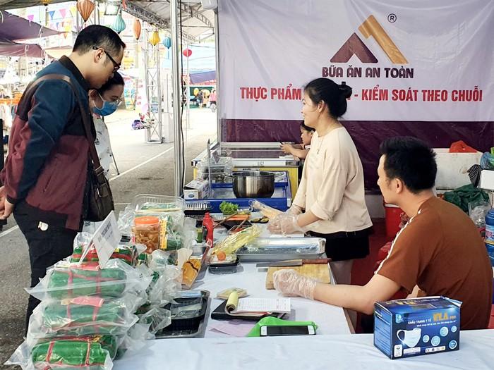 Gian hàng Việt quảng bá sản phẩm của thủ đô  - Ảnh 2.