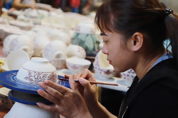 Tìm hiểu bản sắc văn hóa Việt qua gốm Chu Đậu  - Ảnh 6.
