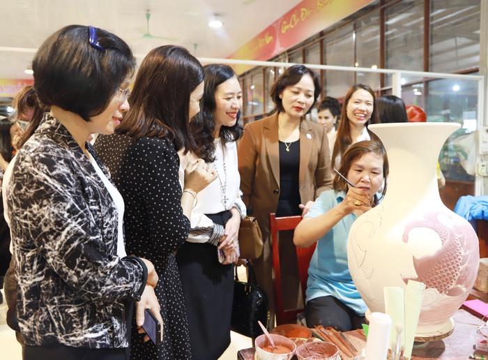 Tìm hiểu bản sắc văn hóa Việt qua gốm Chu Đậu  - Ảnh 5.