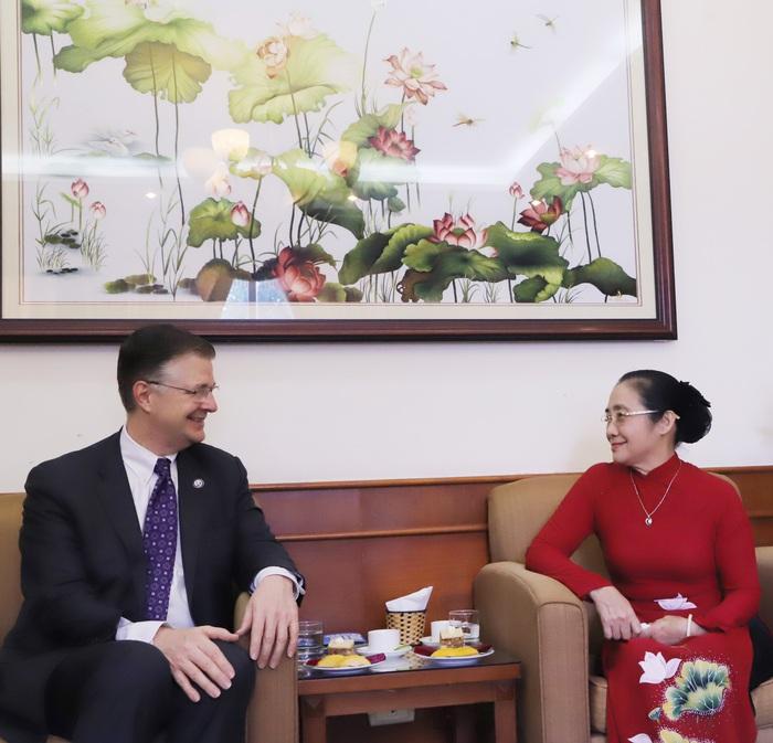 Diễn đàn Việt - Mỹ: Thúc đẩy sự tham gia của phụ nữ trong hội nhập quốc tế - Ảnh 2.