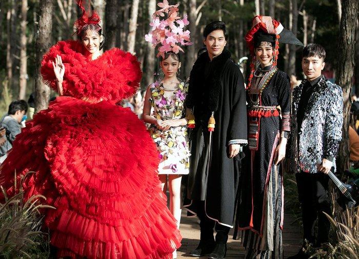 """Fashion show """"Hương rừng sắc núi"""" và sự quảng bá tích cực về nghề dệt vải truyền thống - Ảnh 5."""