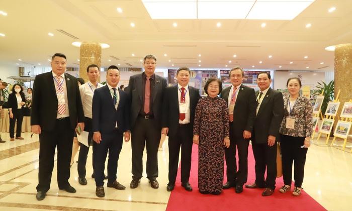 Nâng cao hiệu quả công tác thu hút, tập hợp phụ nữ Việt Nam ở nước ngoài - Ảnh 3.