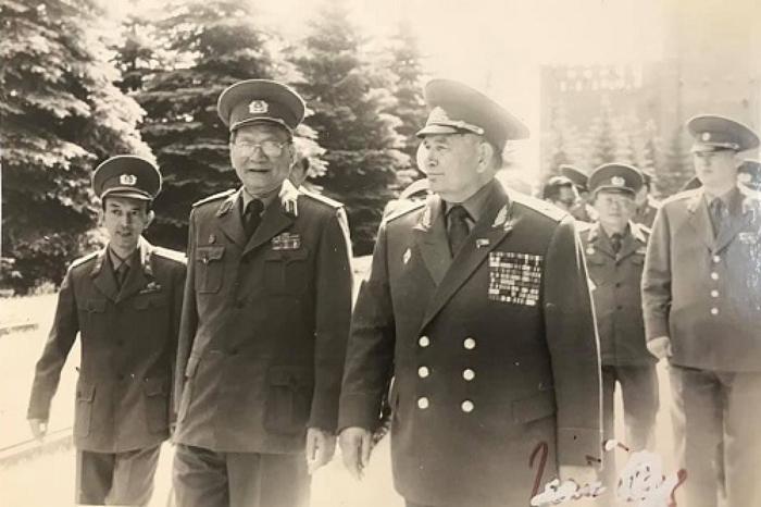 Đại tướng Lê Đức Anh: Tư duy nhạy bén, sắc sảo trước biến cố thời cuộc - Ảnh 1.