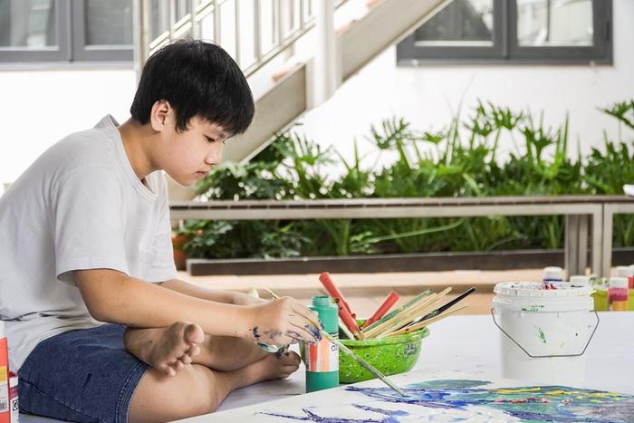 Thần đồng hội họa Xèo Chu lan tỏa vẻ đẹp tuyệt mỹ của nghệ thuật - Ảnh 1.
