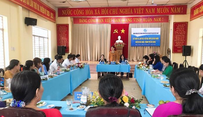 Hội LHPN Việt Nam thăm Mẹ Việt Nam Anh hùng và cán bộ hội viên bị ảnh hưởng vì mưa, bão - Ảnh 2.