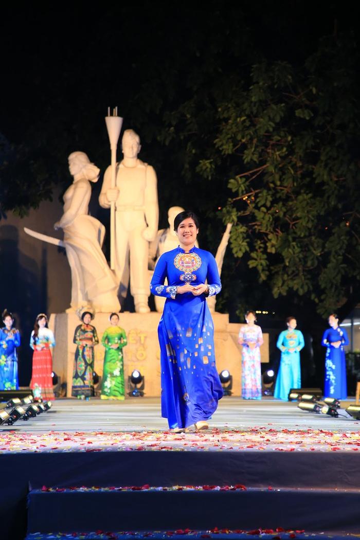 """Dấu ấn """"12 mùa hoa Hà Nội"""" trong Ngày hội Văn hóa ASEAN  - Ảnh 3."""