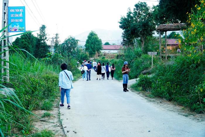 Làng Homestay của người Dao trên Cao nguyên đá Đồng Văn - Ảnh 4.