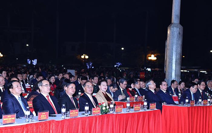 Chủ tịch QH Nguyễn Thị Kim Ngân dự lễ kỷ niệm 990 năm Danh xưng Nghệ An - Ảnh 2.