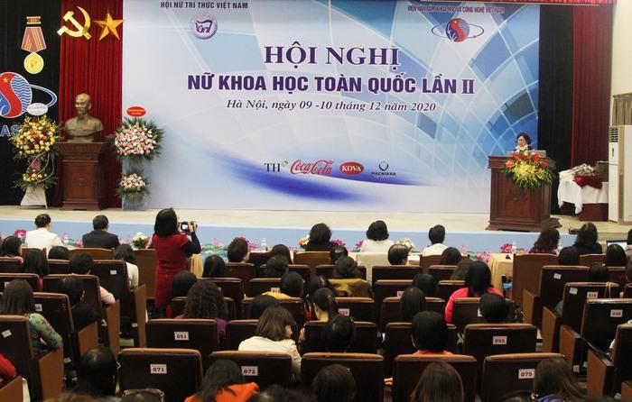 56 Nhà khoa học nữ xuất sắc được Chủ tịch Hội LHPN Việt Nam tặng bằng khen - Ảnh 1.