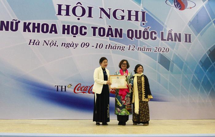 56 Nhà khoa học nữ xuất sắc được Chủ tịch Hội LHPN Việt Nam tặng bằng khen - Ảnh 2.