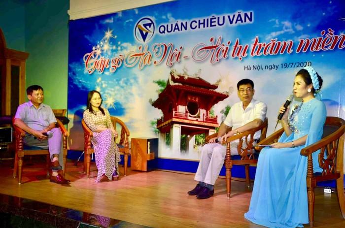 28 ngàn người yêu văn chương sinh hoạt tại Quán Chiêu Văn - Ảnh 1.