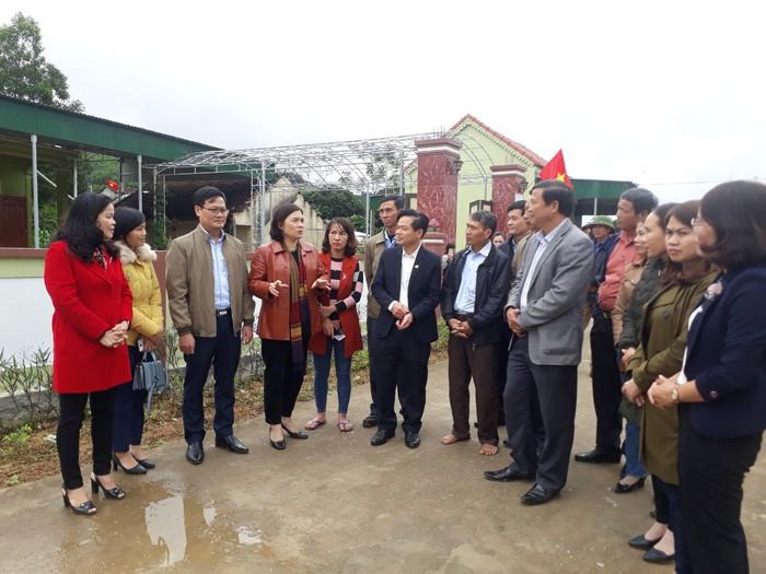 Nhân rộng mô hình 'Nhà sạch - vườn mẫu' xã Quang Thành - Ảnh 4.