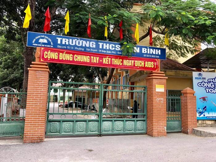 Phụ huynh xông vào trường đánh học sinh lớp 6 ở Điện Biên: Đã khởi tố vụ án - Ảnh 4.