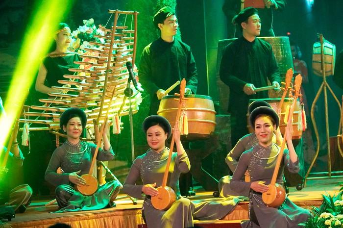 Những nữ đại biểu của dân tộc ít người dạo gót sen, bước khoan thai giữa lòng Hà Nội - Ảnh 14.