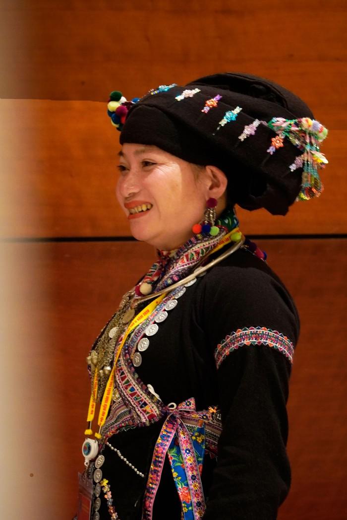 Những nữ đại biểu của dân tộc ít người dạo gót sen, bước khoan thai giữa lòng Hà Nội - Ảnh 22.