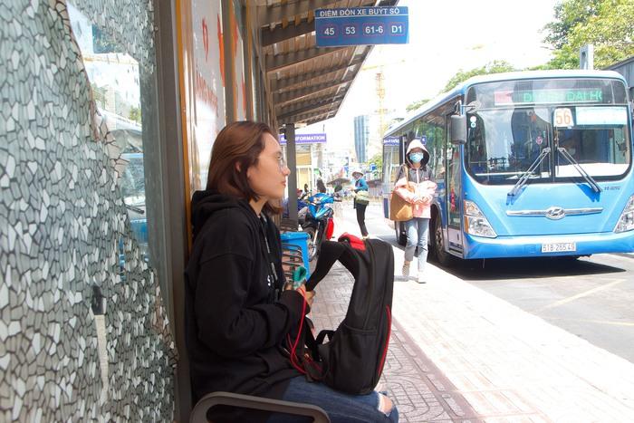 Bạn Minh Châu - Sinh viên Đại học Sư Phạm TPHCM cho biết yên tâm  khi sử dụng dịch vụ xe buýt trong mùa này