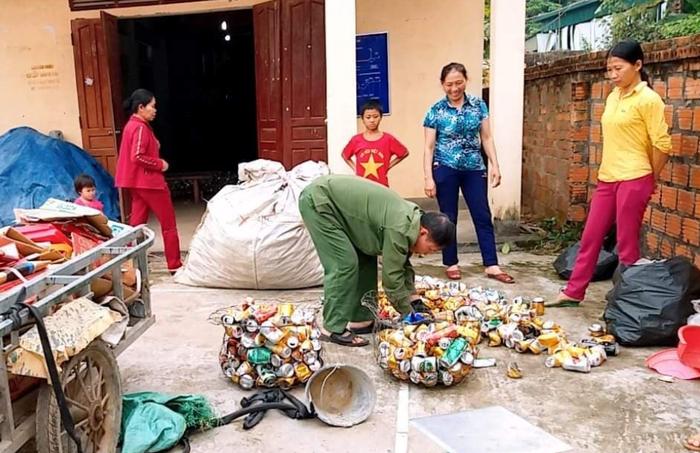 Xã miền núi tiên phong hạn chế rác thải nhựa, xây dựng cảnh quan môi trường nông thôn sạch, đẹp - Ảnh 1.