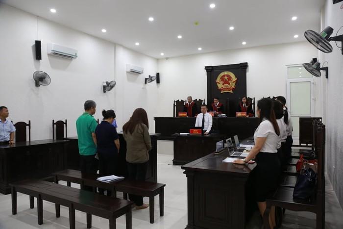 HĐXX phúc thẩm đã quyết định hoãn phiên tòa phúc thẩm.