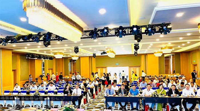 Khánh Hòa đặt mục tiêu đón 3,2 triệu lượt khách trong năm 2020 - Ảnh 2.