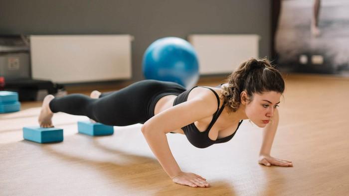 Miu Lê tập đúng cách giúp cơ thể săn chắc, chị em đừng nghĩ cứ đến gym là đô con - Ảnh 7.