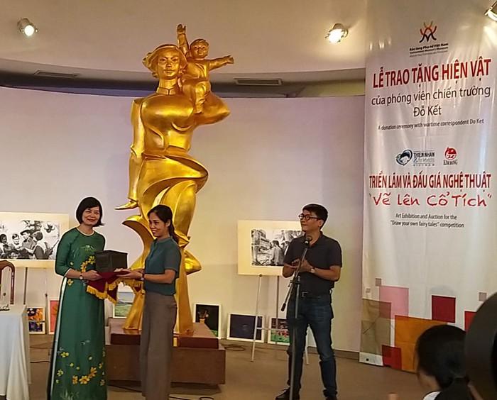 Bảo tàng Phụ nữ Việt Nam tiếp nhận 200 phim âm bản của phóng viên chiến trường Đỗ Kết - Ảnh 1.