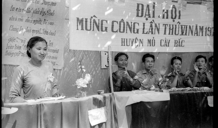 Bảo tàng Phụ nữ Việt Nam tiếp nhận 200 phim âm bản của phóng viên chiến trường Đỗ Kết - Ảnh 2.