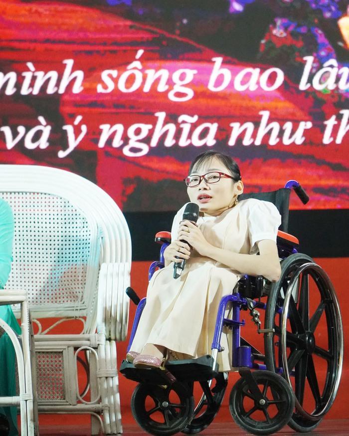 [Ảnh] Những khoảnh khắc động lòng người trong buổi lễ vinh danh những tập thể, cá nhân phụ nữ điển hình ở Nam Định - Ảnh 15.