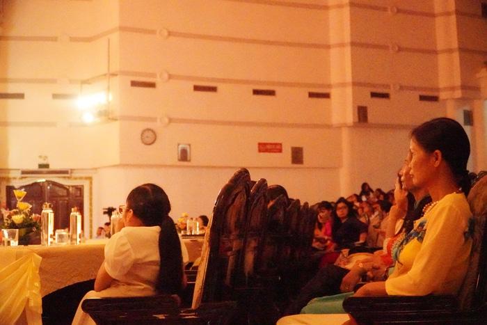 [Ảnh] Những khoảnh khắc động lòng người trong buổi lễ vinh danh những tập thể, cá nhân phụ nữ điển hình ở Nam Định - Ảnh 17.