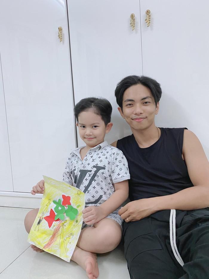 Bất ngờ về cách Phan Hiển nghiêm khắc dạy con gái 2 tuổi - Ảnh 2.