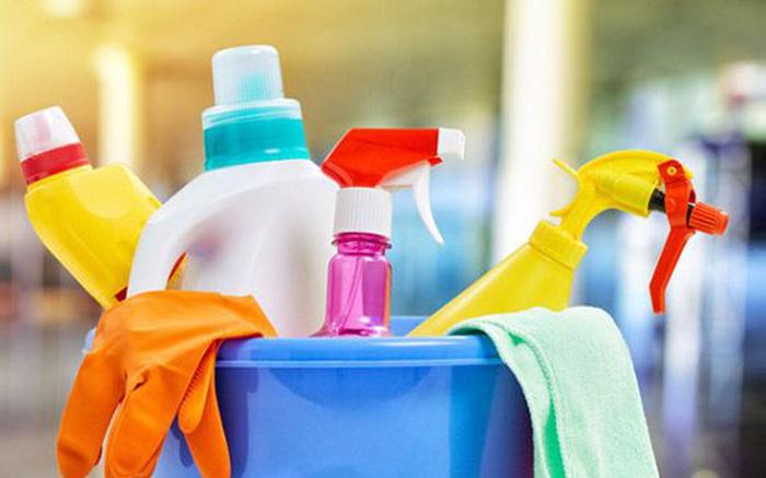 Hóa chất tẩy rửa sinh hoạt