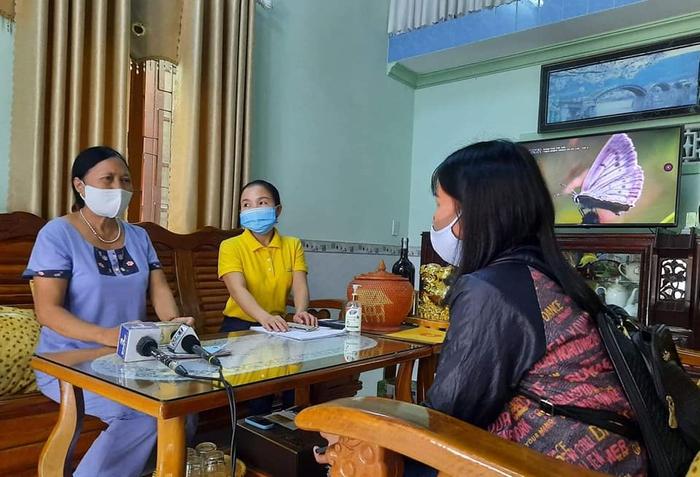 Tình yêu nghề của nữ nhà báo quê ở Quảng Nam - Ảnh 2.