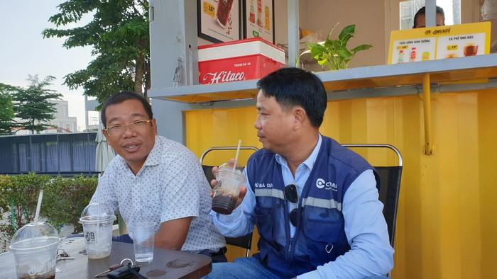 Cà phê Ông Bầu đến công trường, trợ giá cho công nhân - Ảnh 4.