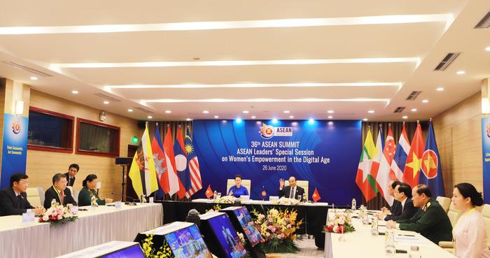 Tạo điều kiện cho phụ nữ ASEAN tiếp cận với công nghệ số  - Ảnh 1.