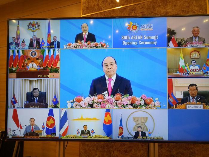Thủ tướng Nguyễn Xuân Phúc: Đong đầy tình cảm đoàn kết, đùm bọc lẫn nhau của đại gia đình ASEAN - Ảnh 2.