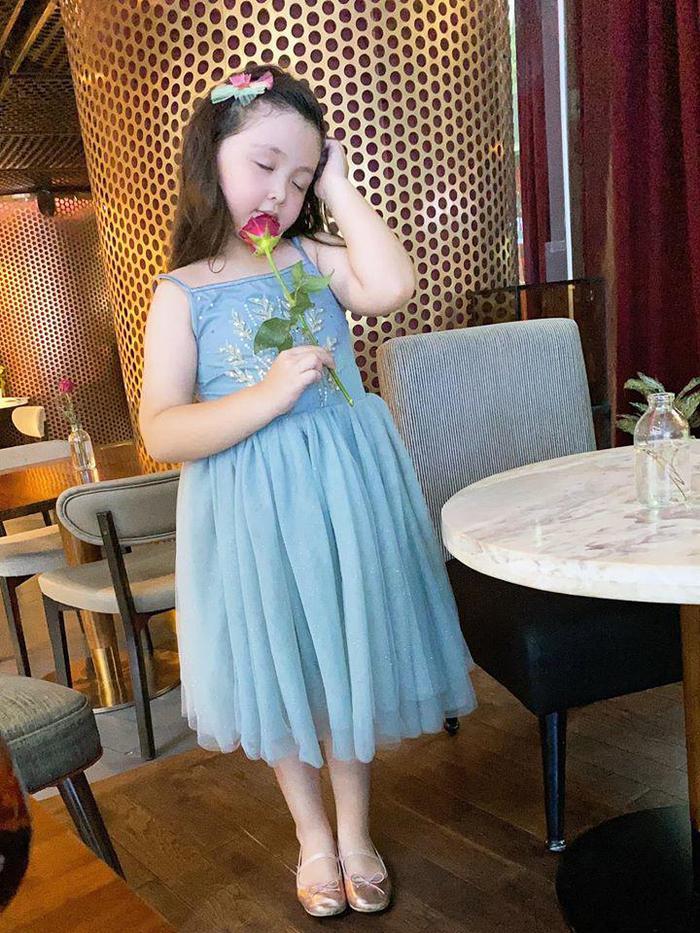 Lâu lắm Elly Trần mới khoe hình con gái, ai ngờ Cadie Mộc Trà đã điệu như nàng thơ - Ảnh 8.