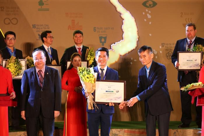 Amway Việt Nam phát hành Báo cáo trách nhiệm xã hội lần thứ 5 - Ảnh 1.