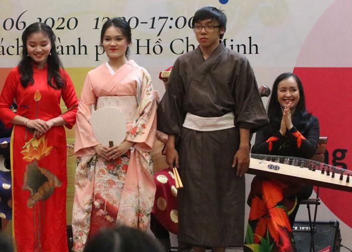 Tiếng đàn tranh của NSƯT Hải Phượng tôn vinh giá trị văn hóa Việt-Nhật - Ảnh 4.