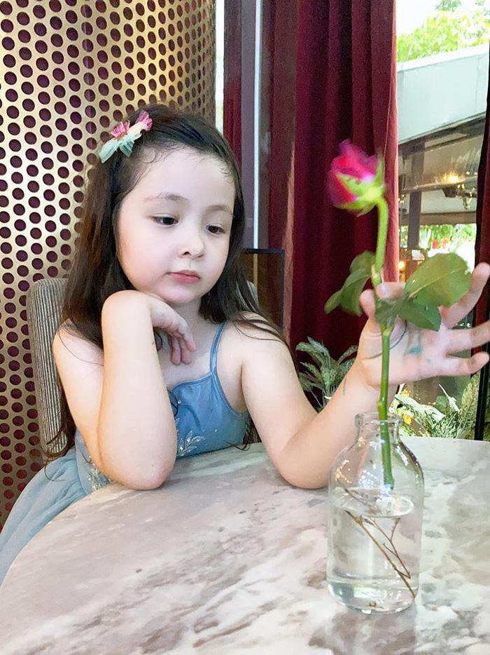 Lâu lắm Elly Trần mới khoe hình con gái, ai ngờ Cadie Mộc Trà đã điệu như nàng thơ - Ảnh 7.