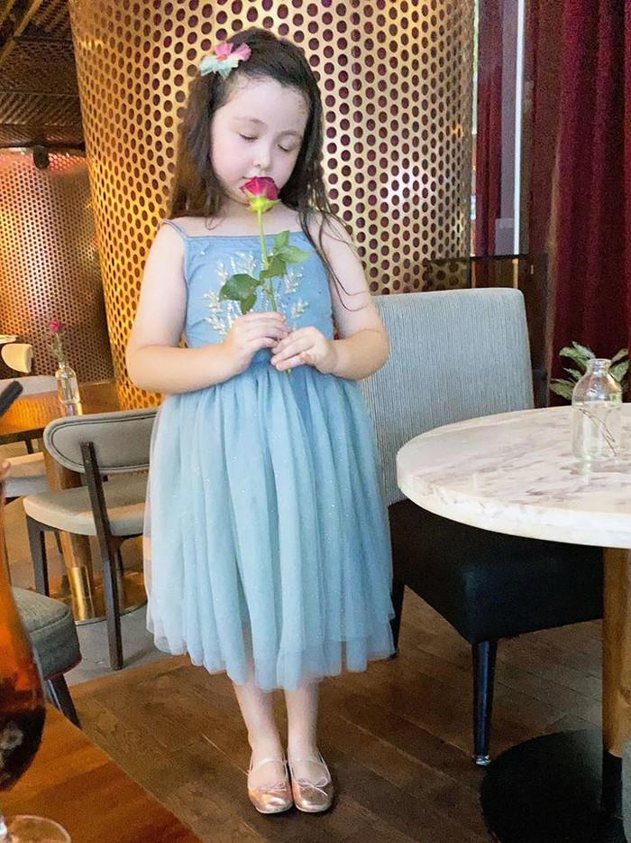 Lâu lắm Elly Trần mới khoe hình con gái, ai ngờ Cadie Mộc Trà đã điệu như nàng thơ - Ảnh 5.