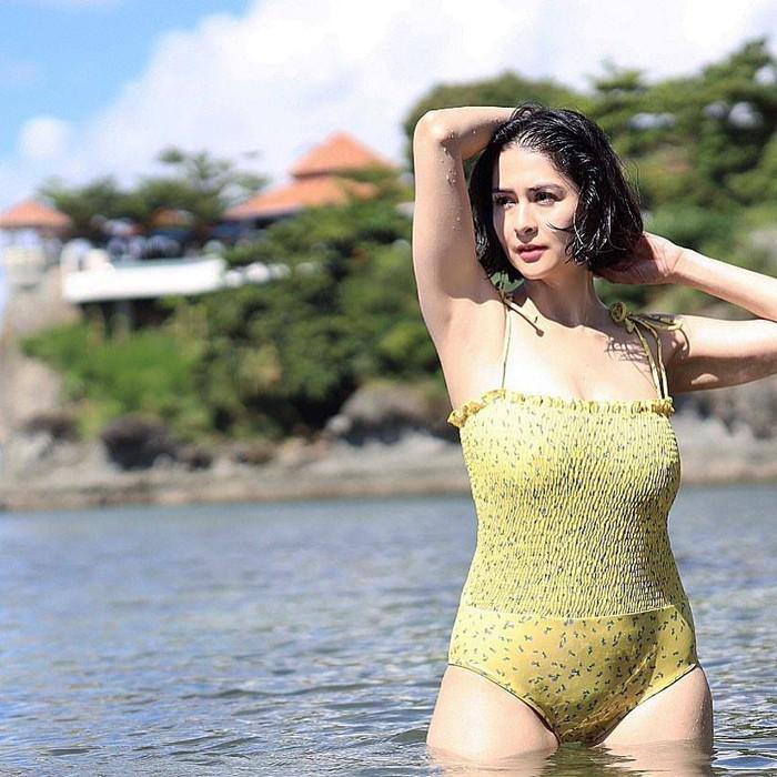 Hết thời phát phì sau sinh, mỹ nhân đẹp nhất Philippines tự tin diện bratop khoe cơ bụng săn chắc - Ảnh 3.