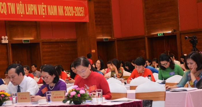 Khai mạc Đại hội đại biểu Đảng bộ cơ quan TƯ Hội LHPN Việt Nam lần thứ XIX - Ảnh 4.