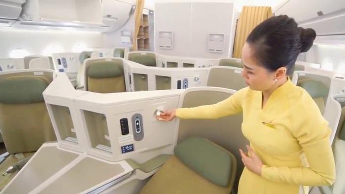 """Nghe người trong nghề tiết lộ """"thân phận"""" và thu nhập mỗi giờ bay của các cô tiếp viên hàng không mặc áo xanh, đỏ, vàng ở Vietnam Airlines   - Ảnh 2."""