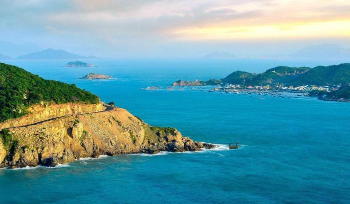 Ninh Thuận đẩy mạnh kích cầu du lịch nội địa - Ảnh 1.