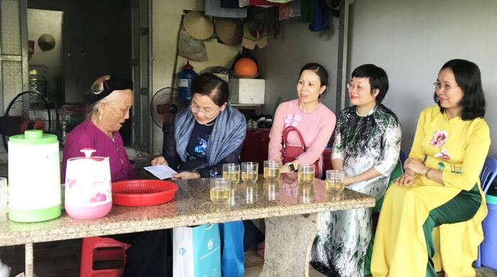 Đoàn Chủ tịch Trung ương Hội LHPN Việt Nam tri ân người có công và gia đình chính sách - Ảnh 2.